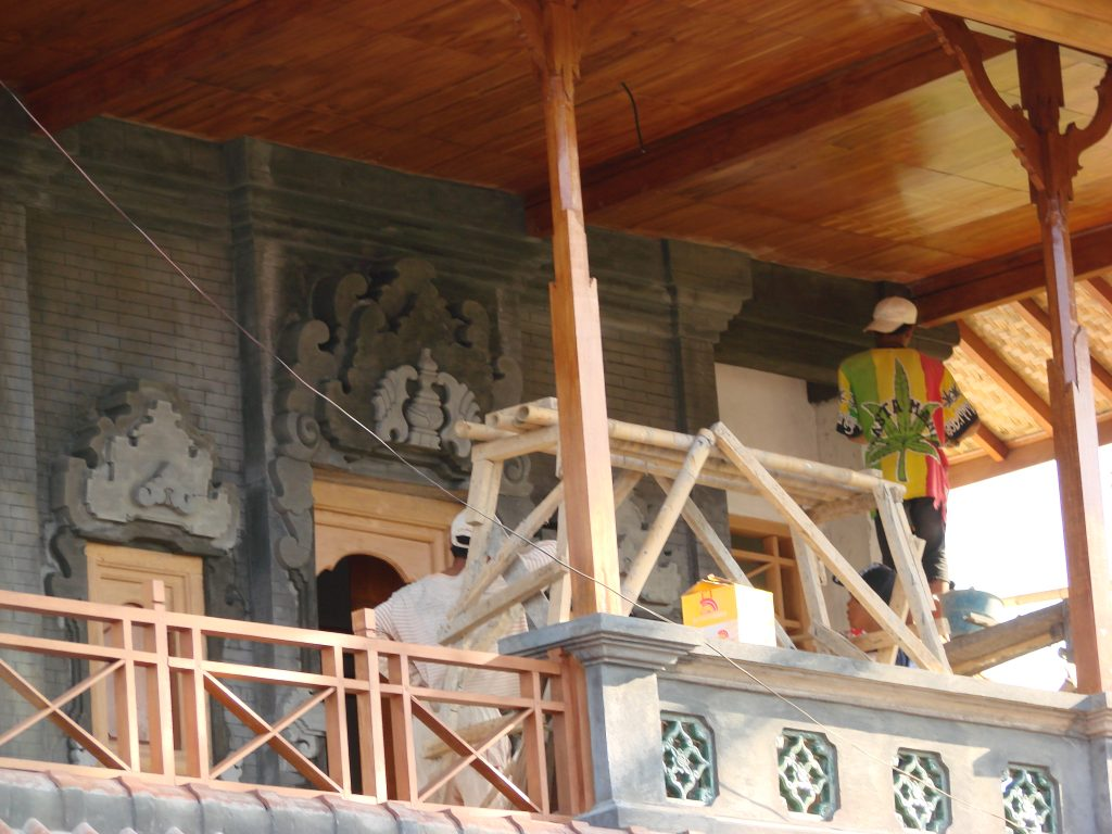 Craftsman Bali Style upper terrace Villa Sinar Cinta